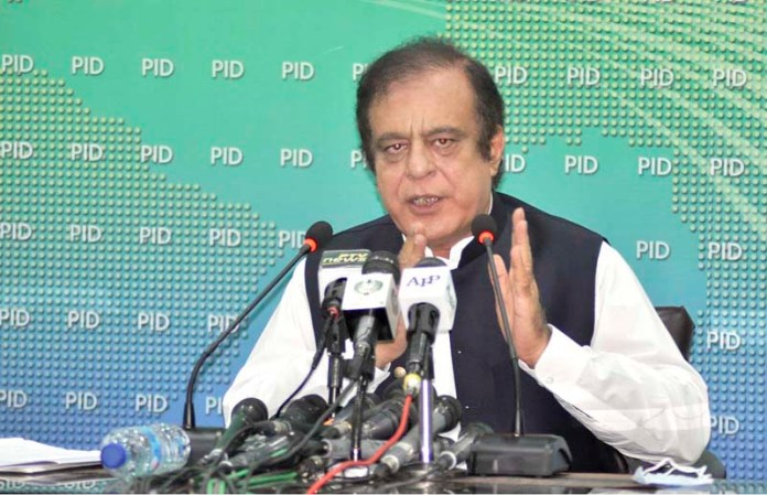 ISLAMABAD: August 21 - Federal Minister for Information and Broadcasting, Shibli Faraz, addressing the press conference at PID media center. APP photo by Saleem Rana