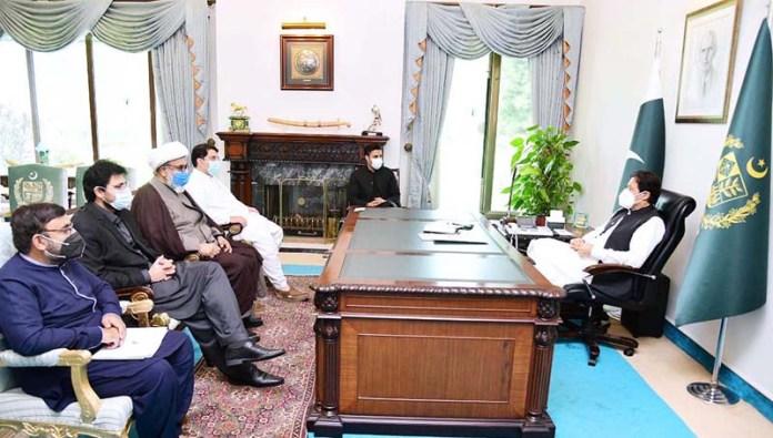 ISLAMABAD: August 28 – Allama Raja Nasir Abbas calls on Prime Minister Imran Khan. APP