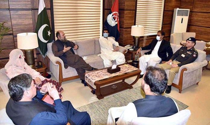 QUETTA: August 26 – Chief Minister Balochistan Jam Kamal Khan meeting with Provincial Ministers, MPAs, Chief Secretary Balochistan and IG Police during his visit at Central Police Office. APP