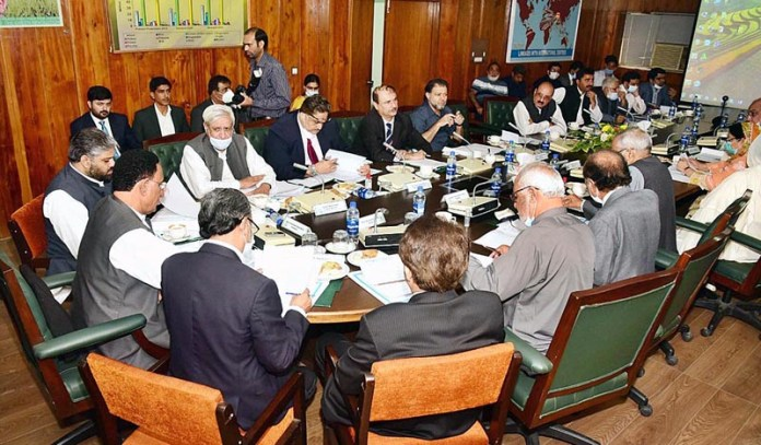 ISLAMABAD: September 02 – Federal Minister for National Food Security and Research, Syed Fakhar Imam attending NA Standing Committee on NFSR. APP