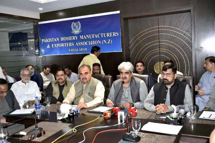 FAISALABAD: September 13 - Faiz Ullah Kamoka, Chairman NA Standing Committee on Finance addressing during meeting of Pakistan Hosiery Manufacturers & Exporters Association (PHMA) North Zone at PHMA Complex. APP photo by Muhammad Waseem