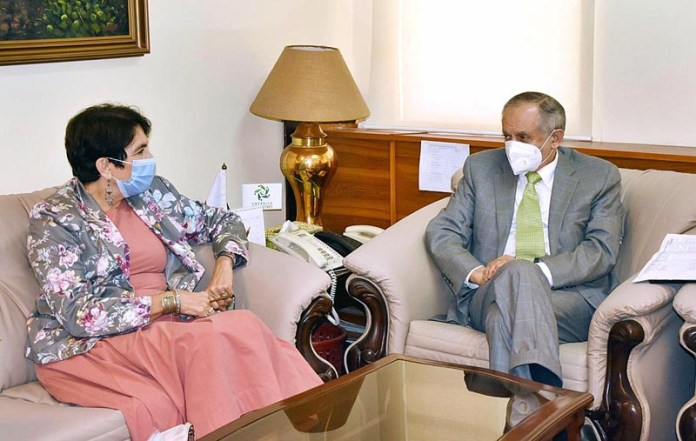 ISLAMABAD: September 09 - European Union Ambassador to Pakistan, Androulla Kaminara called on Abdul Razak Dawood, Adviser to the Prime Minister on Commerce and Investment. APP