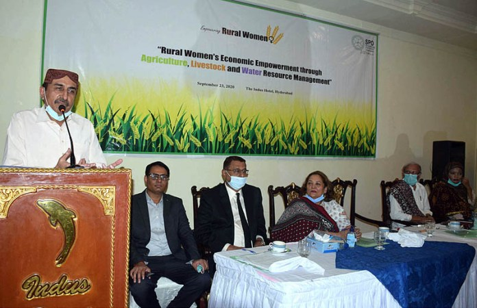 HYDERABAD: September 23 – Sindh Minister for Agriculture Ismail Raho addressing during a seminar on Rural Women's Economic Empowerment through Agriculture Livestock and water Recourses Management. APP photo by Akram Ali