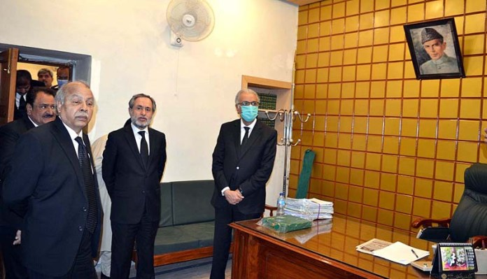 QUETTA: September 30 - Chief Justice of Pakistan Justice Gulzar Ahmed viewing the renovation of Kehchari building during his visit. APP photo by Mohsin Naseer