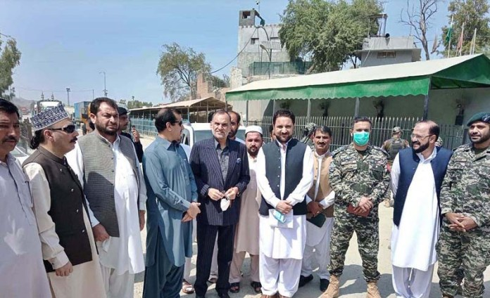 KHYBER: September 09 - Federal Minister for Narcotics Control Muhammad Azam Khan Swati during his visit to Torkham Border. APP