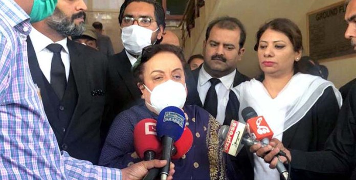 RAWALPINDI: October 29 - Federal Minister for Human Rights, Dr. Shireen Mazari talking to media during her visit Session Court in Zohra Shah Murder Case. APP