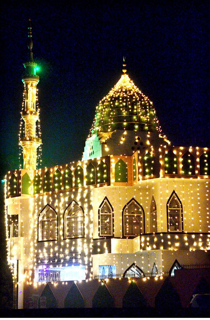 HYDERABAD: October 20 – An illuminated view of Jamia Masjid decorated with colourful lights in connection with Eid-e-Milad-un-Nabi (SAWW) celebrations. APP photo by Farhan Khan