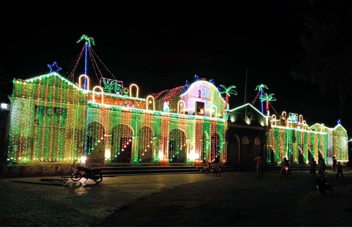 BAHAWALPUR: October 28 – An illuminated view of building decorated with colourful lights in connection with Eid Milad-un-Nabi (PBUH). APP photo by Hassan Bukhari