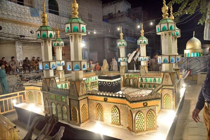 LAHORE: October 31 – An attractive night view celebrating Eid Milad-un-Nabi (PBUH). APP photo by Amir Khan