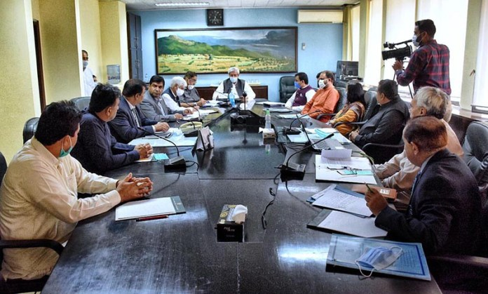 ISLAMABAD: October 03 - Federal Minister for National Food Security and Research, Syed Fakhar Imam chairs Cotton Crop Assessment Committee meeting. APP