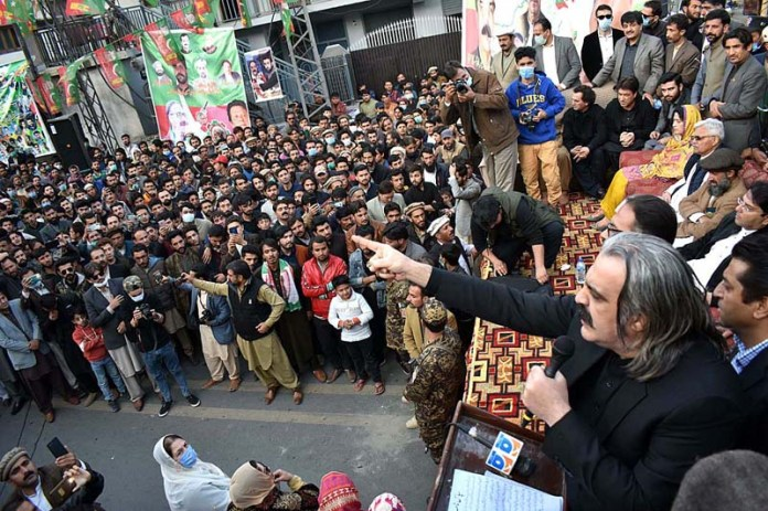 GILGIT : October 31 - Federal Minister for Kashmir Affairs and Gilgit-Baltistan Ali Amin Khan Gandapur addressing public gathering during election 2020 campaign in GB near Kashrot area. APP photo by Ashraf Hussain Nasiri