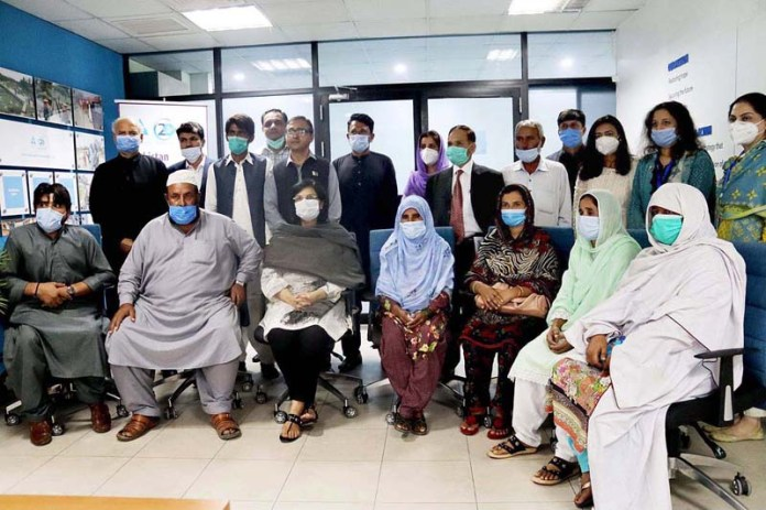 ISLAMABAD: October 17- SAPM on Poverty Alleviation Dr. Sania Nishtar celebrates the world poverty Day with Ehsaas Beneficiaries from across Pakistan. APP