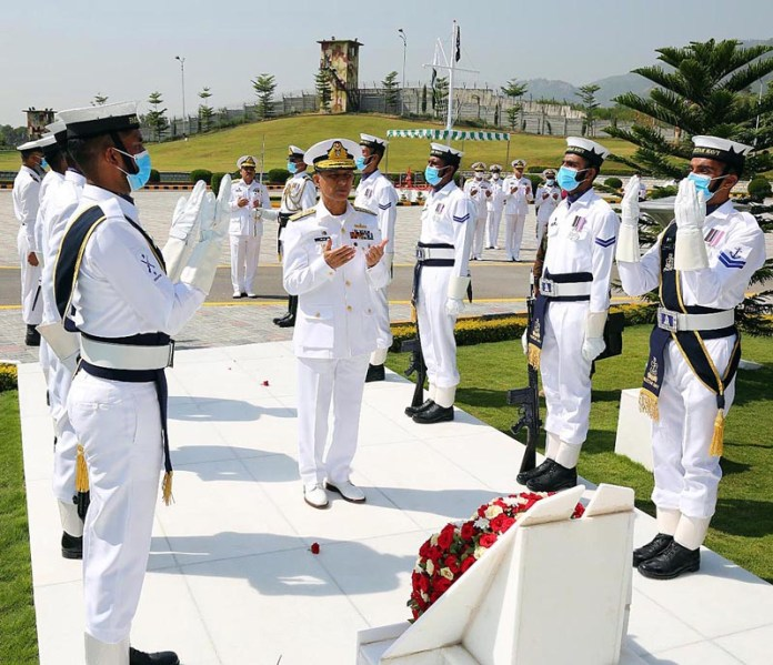 ISLAMABAD: October 07 - Chief of the Naval Staff Admiral Muhammad Amjad Khan Niazi laid wreath at Shuhada Monument at Naval Headquarters. APP
