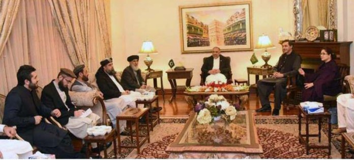 ISLAMABAD: October 20 - Speaker National Assembly Asad Qaiser in a meeting with leader of Hezb-e-Islami Afghanistan, Gulbuddin Hekmatyar and his delegation. APP