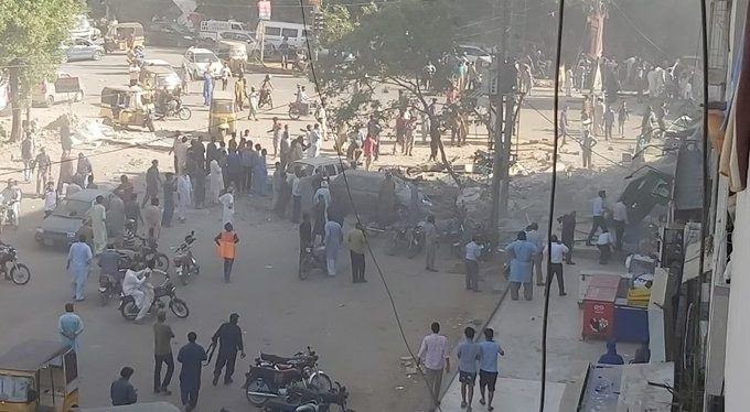 As many as one person was killed while other several got serious injuries when an explosion took place in the upper portion of a multi-storey building at Gulshan-e-Iqbal's Maskan Chowrangi in Karachi on early Wednesday morning.
