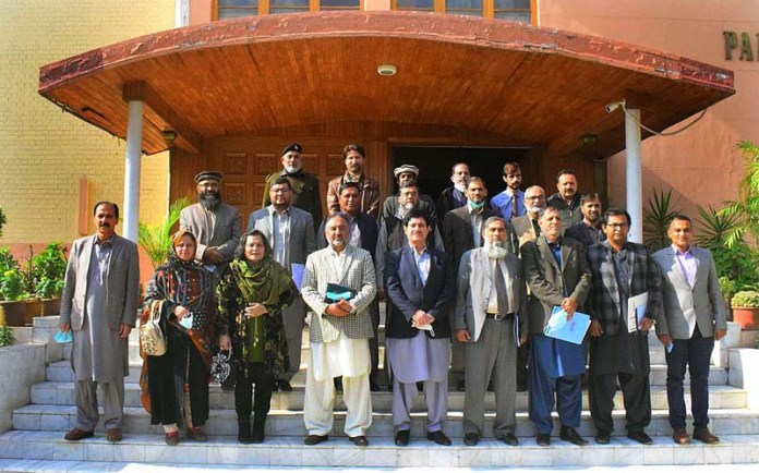 DG Forest Javed Anwar, Secretary NEC Dr. Abdul Ghafoor and other delegation members posing for a group photo with others during visit at Forest Museum