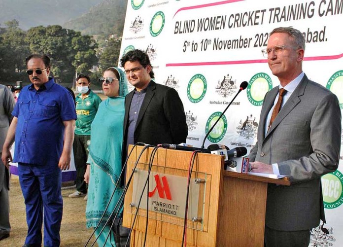 ISLAMABAD: November 10 – Australian High Commissioner to Pakistan Dr. Geoffrey Shaw addressing during prize distribution ceremony of Blind Women Cricket Training Camp organized by Australian High Commission and Pakistan Blind Cricket Council at Shalimar Cricket Ground. APP photo by Irshad Sheikh
