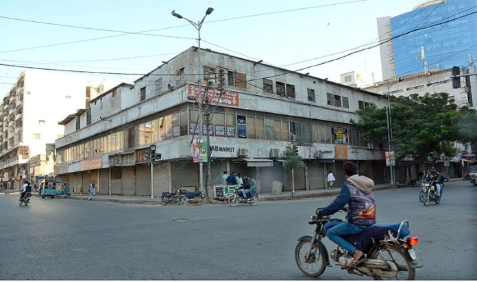 A view of closed shops of Zainab Market during lockdown imposed by Sindh government to protect from COVID-19 pandemic