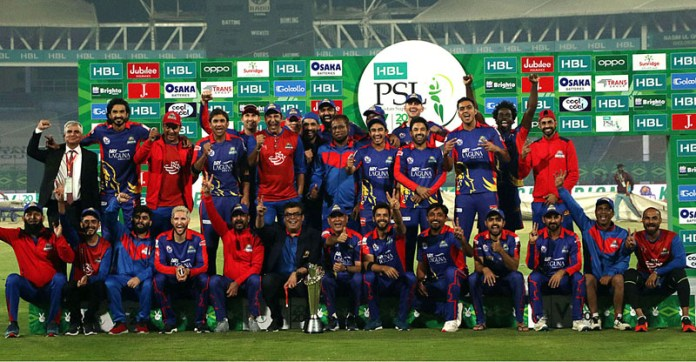 A group photo of Karachi Kings team after winning final against Lahore Qalandars during Pakistan Super League (PSL) Twenty20 played at the National Stadium