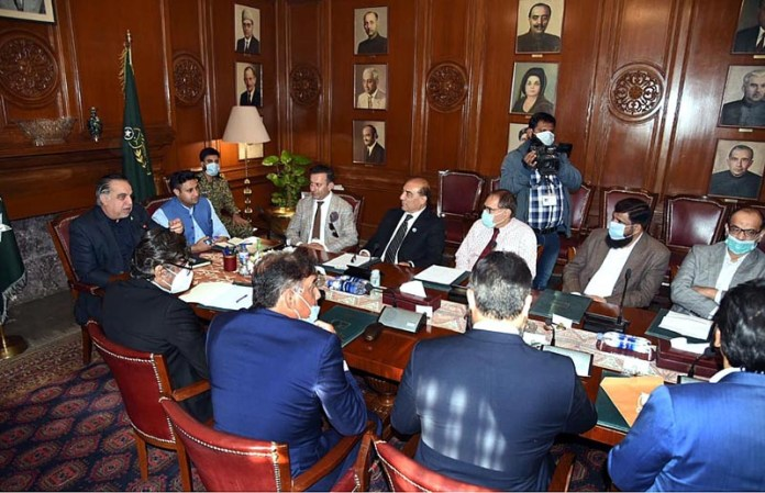 Sindh Governor Imran Ismail chairing a meeting of Sindh Industrial Liaison Committee. Special Assistant to PM for Overseas Pakistanis Zulfiqar Bukhari, Chairman EOBI Azar Hameed and known industrialists also attending the meeting