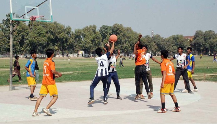 Hand Ball match is being played between SD High School and Yazman School during the Inter Tehsil School Sports Tournament 2021