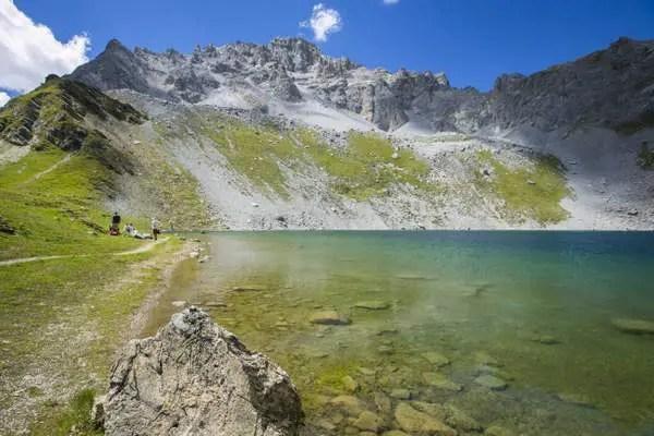 Randonnée lac montagne