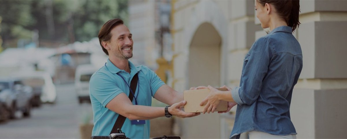 How does the Delivery Application works: Postmates Review