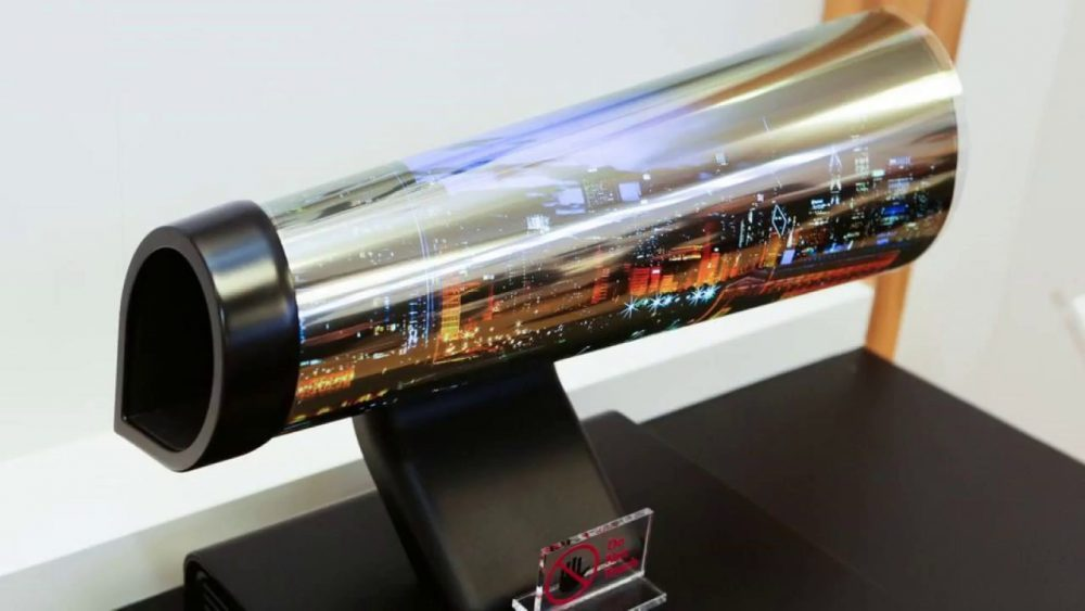 LG to Start Selling Poster like Roll up TVS in 2019, Allegedly