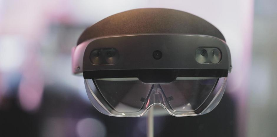 Microsoft Launches the All New HoloLens
