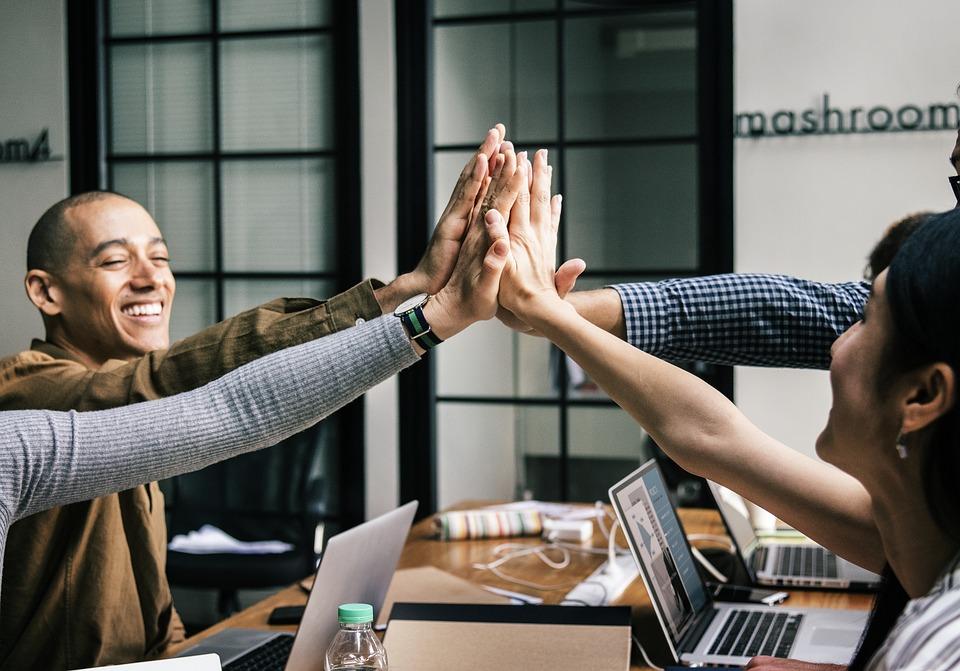 4 Effective Ways to Improve Internal Branding