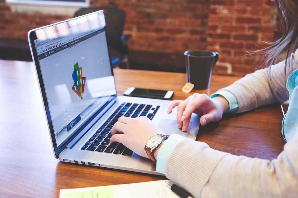 TOP 5 DOMINATING WEB DESIGN TRENDS