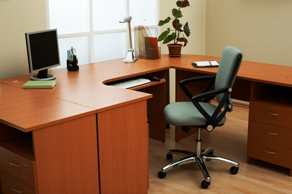 Few Factors You Should Consider When Buying an Office Desk