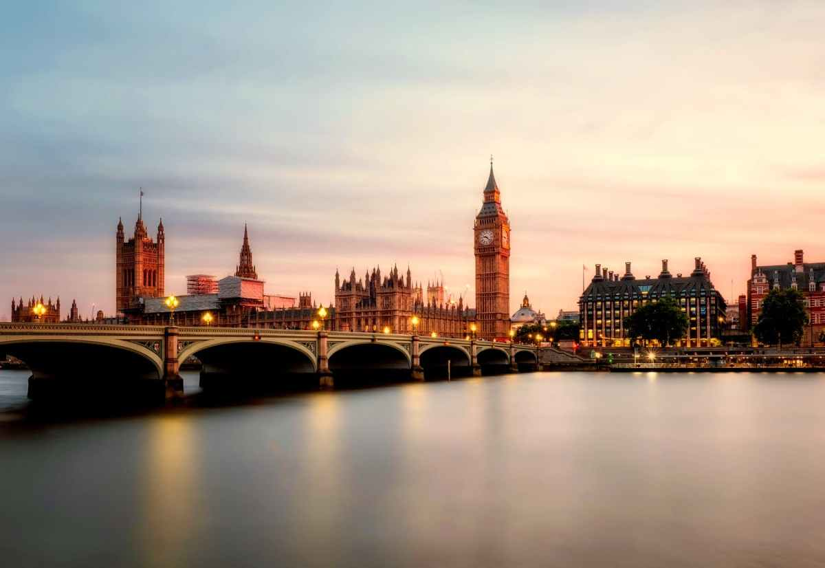 LONDON AND ITS CULTURE