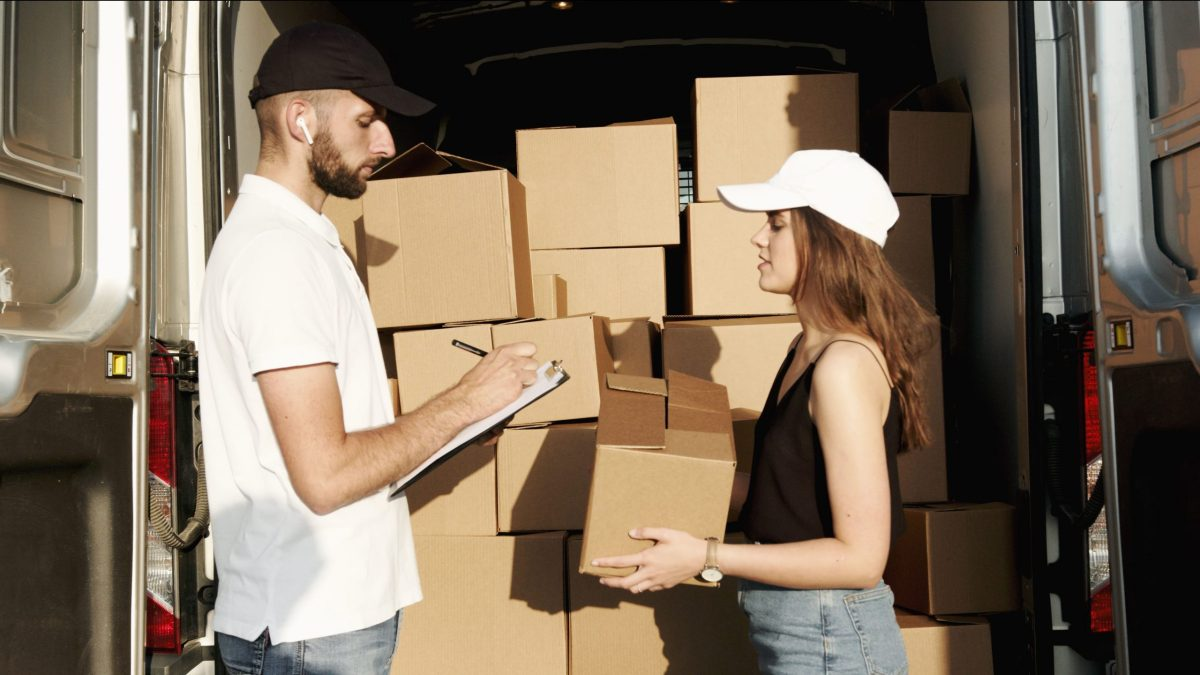 Household shifting made easier for you in Bangalore – LogisticAdda