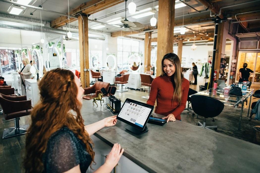 4 Innovative Small Business Ideas Using AI