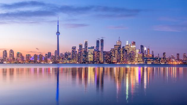 9 Reasons Everyone Should Visit Toronto?