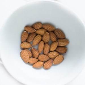 Almonds - source of magnesium