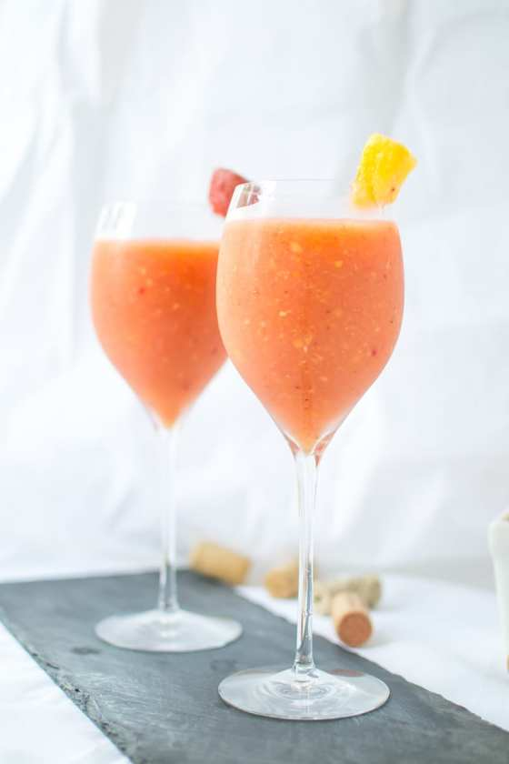strawberry peach frosé | Appetites Anonymous