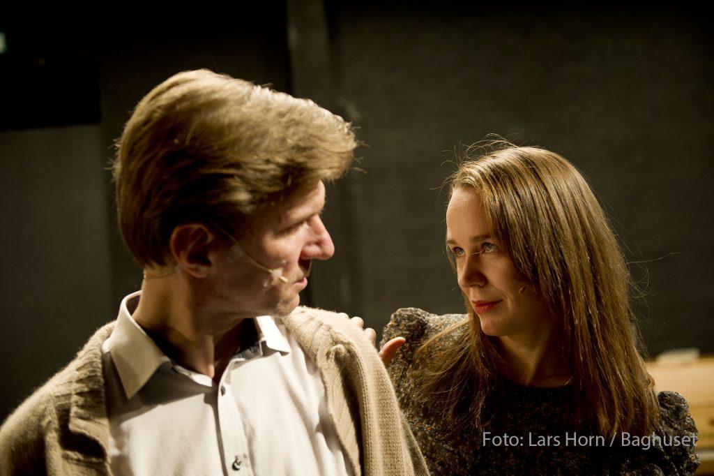 """Presseudsendelse kan frit anvendes ved omtale af: Aalborg teater """"Underkastelse """" Kristine Elmedal Johansen og Martin Ringsmose Dato: 08.11.16 Foto: Lars Horn / Baghuset"""