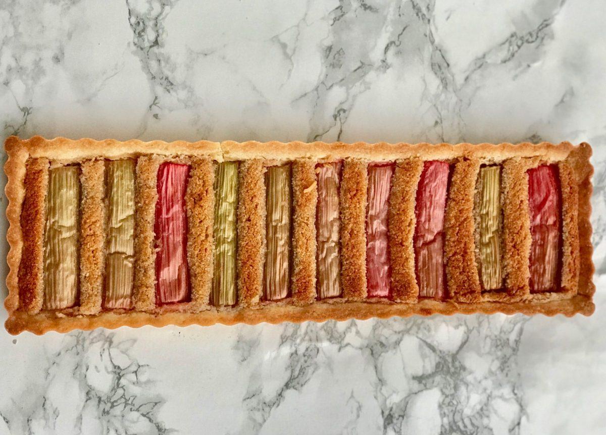 Sommerlig rabarbertærte