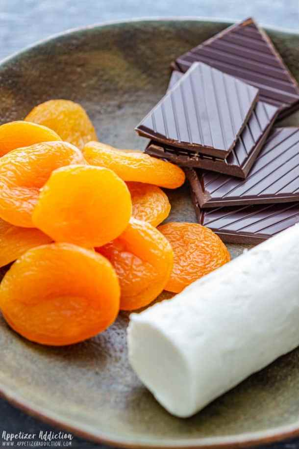 Apricot Goat Cheese Log Ingredients