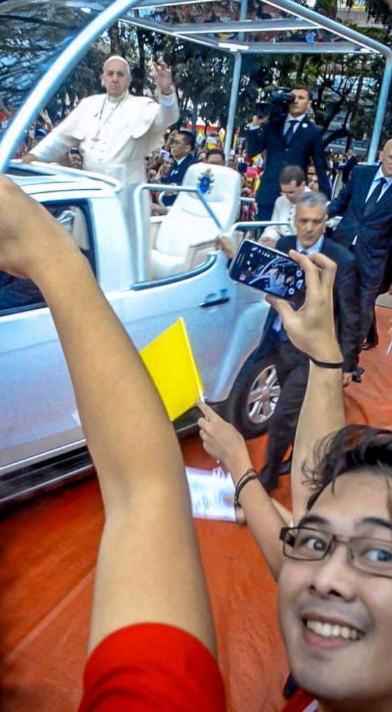 Papal Visit in UST Selfie