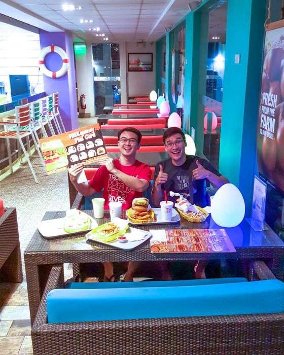Caliburger Timog QC 2016 -032