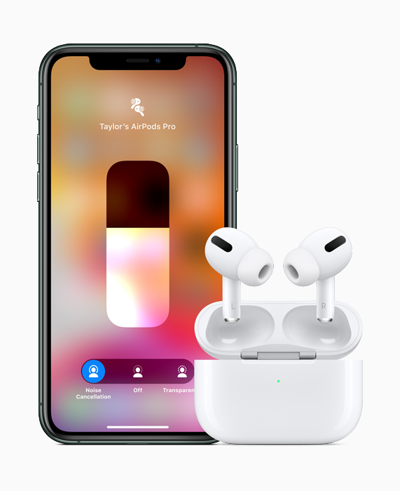 AirPods ProとiPhone 11 Pro。
