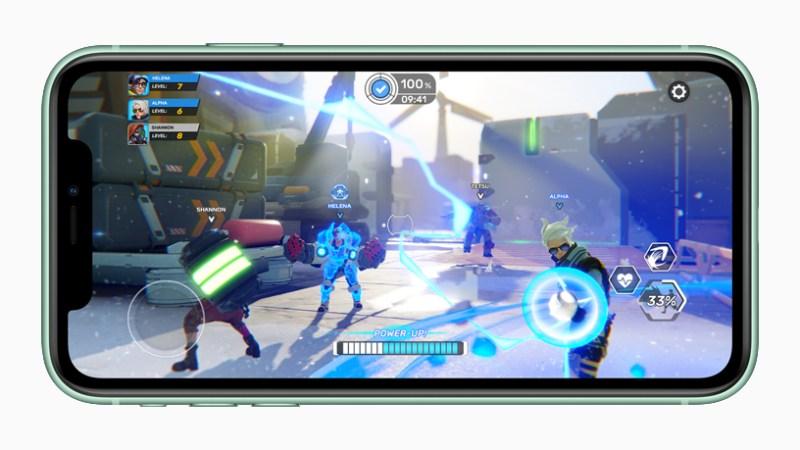 iPhone con jugabilidad en pantalla.