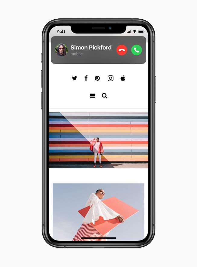 สายเรียกเข้าใน iOS 14 บนหน้าจอ iPhone 11 Pro