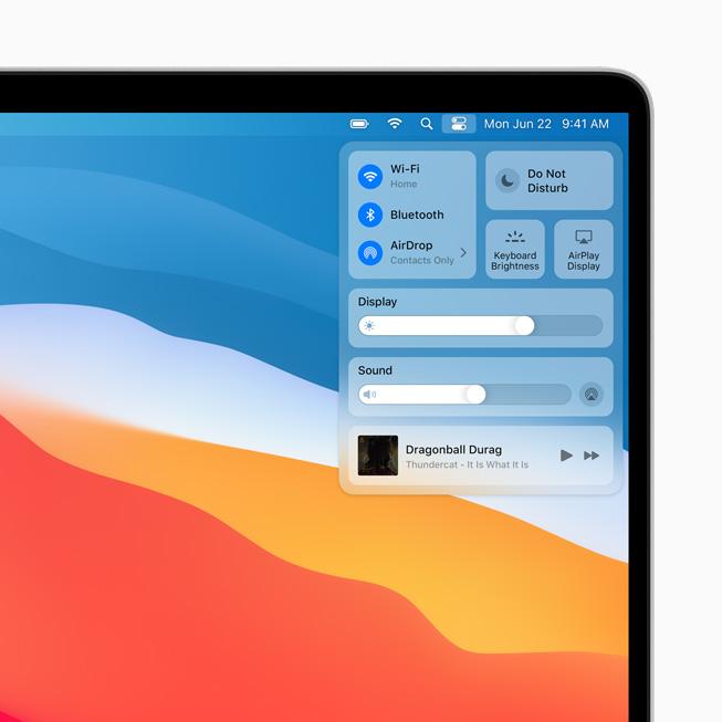 Il nuovo Centro di Controllo in macOS Big Sur visualizzato su MacBook Pro.