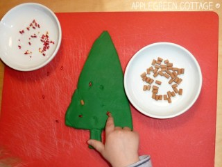 Christmas tree playdough - toddler activities