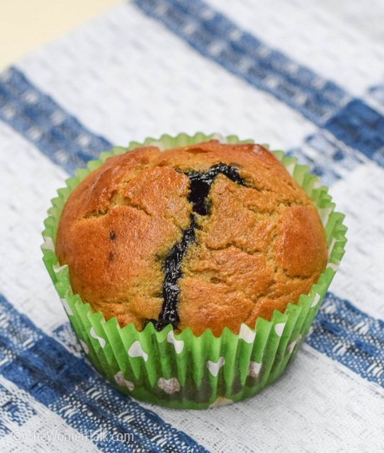 avocado-blueberry-muffins