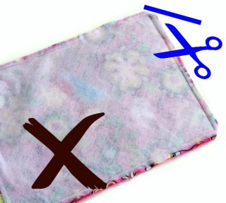 Learn how to clip corners. You'll never go back to a simple diagonal corner clipping once you start trimming your seam allowance this way! AND you'll be less likely to cut into stitches. Check out this easy sewing tip.
